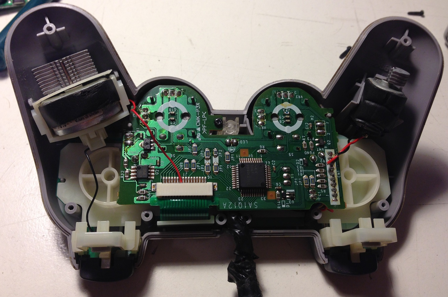 Playstation Controller Hack With Arduino Mini And Nrf24l01 Adapter Wiring Diagram On For Ps2 To Usb Psx Internals Bigmotor Smallmotor
